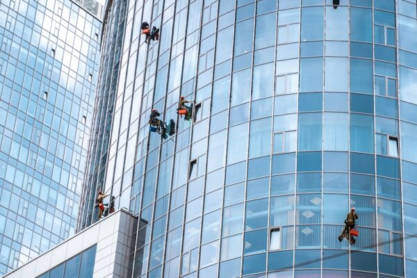 When to Call in A Glass Repair Service
