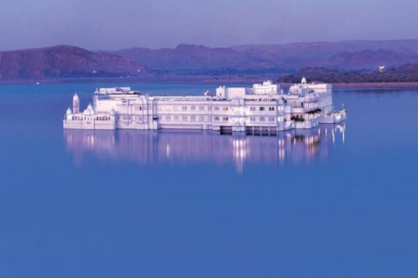 Visit these beautiful floating palaces in India and float your stress away!