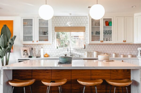 How to Deal with a Stain on your White Marble Countertops?