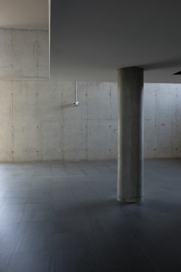 Benefits of Blasting Water to Clean Concrete