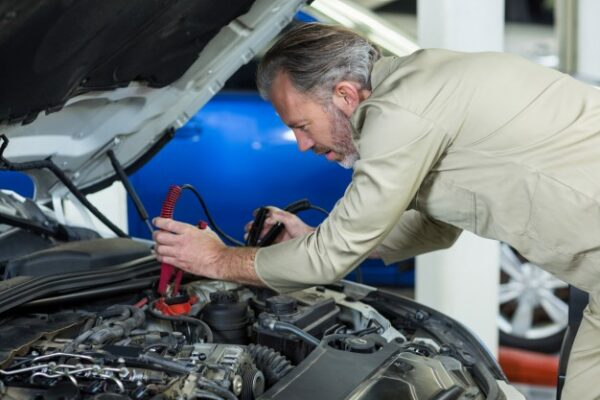 Reasons Behind A Car Battery Failure And Picking The Right Battery For Your Car